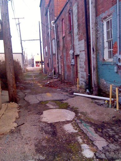 The alley is so inviting